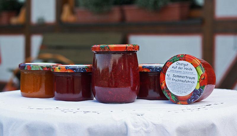 Fruchtaufstrich aus eigener Herstellung - verschiedene Sorten